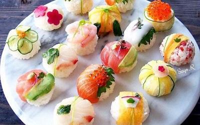 Có những cách làm sushi đẹp đến nao lòng chẳng nỡ ăn, chính bạn cũng có thể làm được