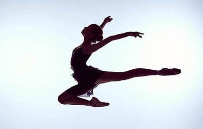 """9 điều đơn giản nên làm mỗi ngày để khỏe mạnh, dẻo dai, tự do """"bay nhảy"""" ở mọi tuổi"""