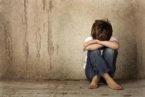 """Dạy con thế nào để quan niệm """"thương cho roi cho vọt"""" không ảnh hưởng tâm lý và sức khoẻ trẻ?"""