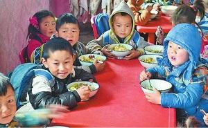 Cô giáo mầm non tiết lộ lý do cho trẻ ăn trưa lúc 11 giờ là chuẩn nhất