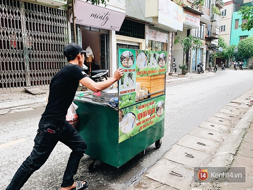 Xuất hiện hàng loạt xe đẩy bán kem dừa Thái Lan ở Hà Nội, giá chỉ 20k/quả